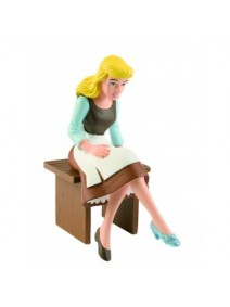 Figura Cenicienta sentada